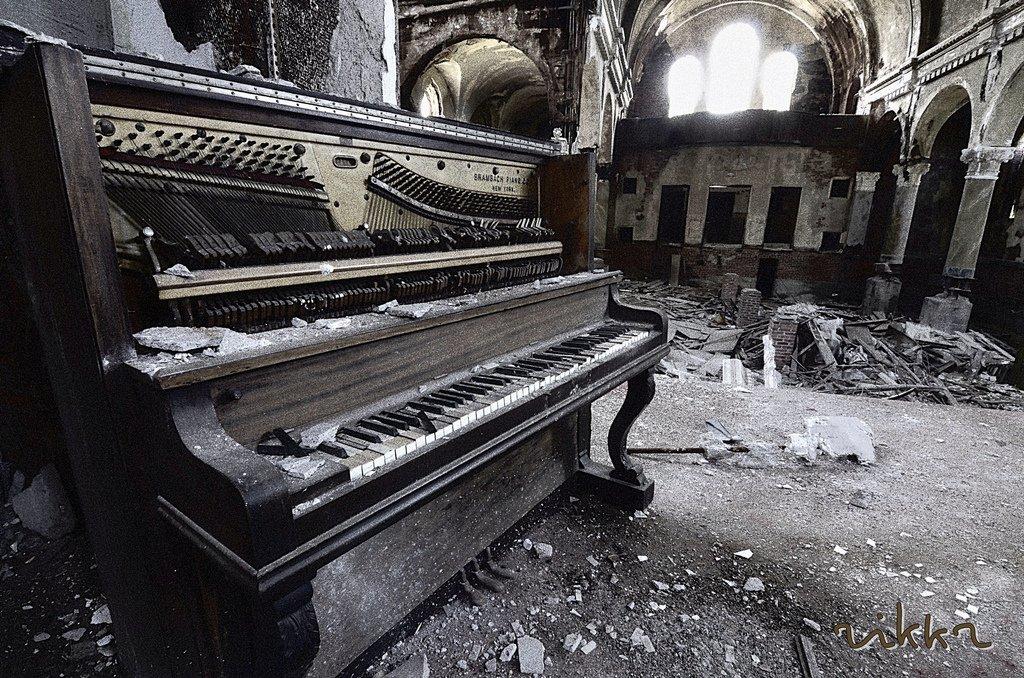 Pianos abandonados musiqueando con mar a for Www home piani foto