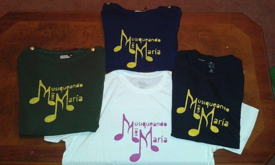 Camisetas Musiqueando con María