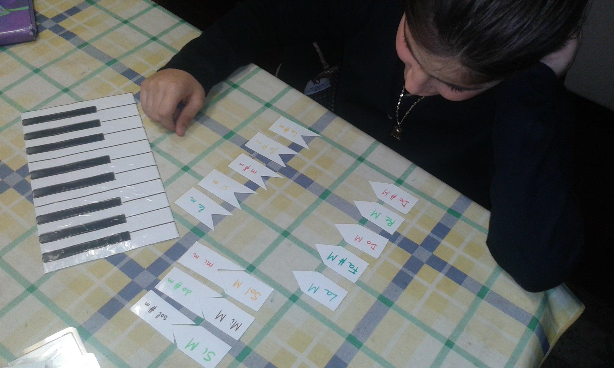 juego tonalidades María.jpg